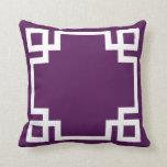 Llave griega blanca púrpura imperial almohada