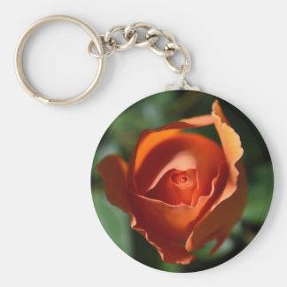 Llavero color de rosa anaranjado del flor