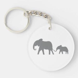 Llavero cosido azul del elefante de la mamá y del