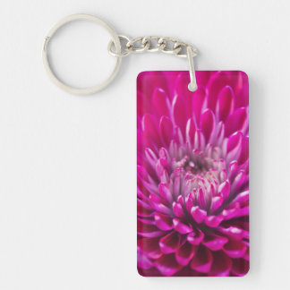 Llavero de color rosa oscuro del crisantemo