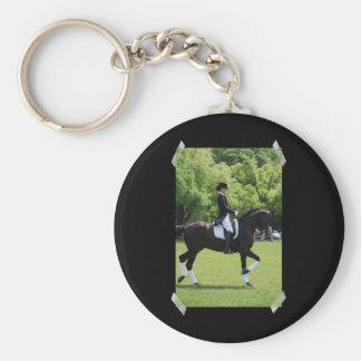 Llavero de la demostración del caballo del Dressag