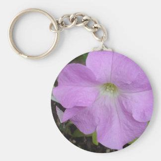 Llavero de la flor de la petunia de la lila