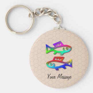 Llavero de los pescados de arco iris de la muestra