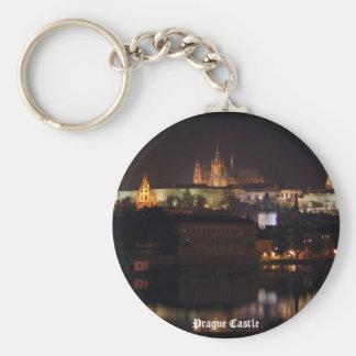 Llavero del castillo de Praga de la noche
