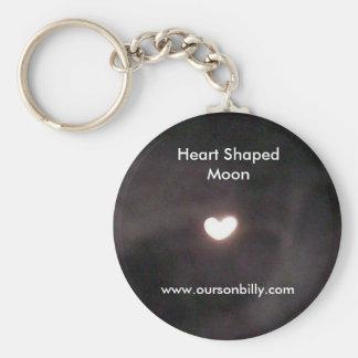 llavero en forma de corazón de la luna
