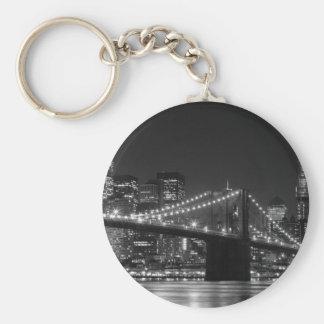 Llavero negro/blanco del puente de Brooklyn
