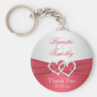 Llavero rosado y gris coralino del favor del boda