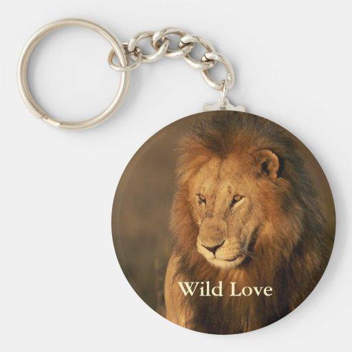 Llavero salvaje del león del amor