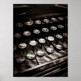 Llaves de la máquina de escribir del vintage en bl poster