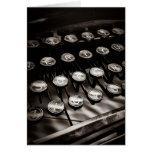 Llaves de la máquina de escribir del vintage en tarjetón