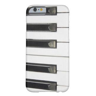Llaves de teclado de piano en el caso de encargo funda de iPhone 6 barely there