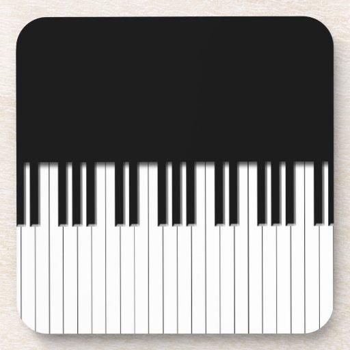 Llaves de teclado de piano posavasos de bebida