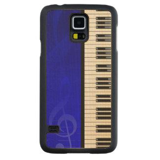 Llaves del piano con las notas musicales del funda de galaxy s5 slim arce