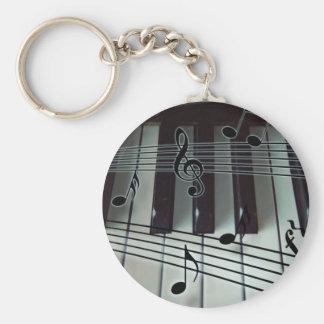 Llaves del piano y notas de la música llavero redondo tipo pin