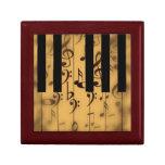 Llaves del piano y notas musicales caja de joyas