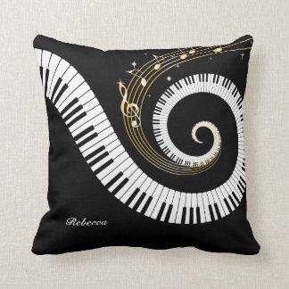 Llaves del piano y notas personalizadas de la cojín decorativo