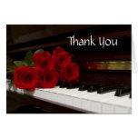 Llaves del rosa rojo y del piano tarjeta pequeña