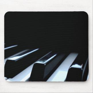 Llaves negras y blancas del piano tapete de raton