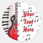 Llaves y nota rojas del piano de la guitarra pegatina redonda