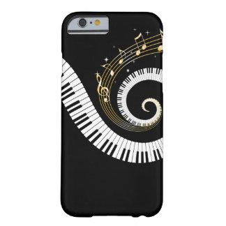 Llaves y oro del piano