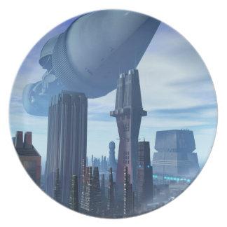 Llegada gigante de la nave espacial plato de cena