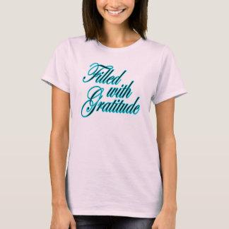 Llenado de la camiseta linda de los chicas de la