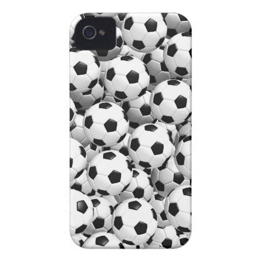 Llenado de los balones de fútbol iPhone 4 Case-Mate cobertura