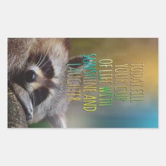 Llene su taza de cita de motivación del mapache de pegatina rectangular