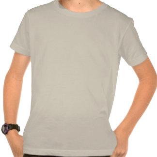 Llevado de un equipo estéreo portátil camiseta