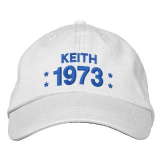 Llevado en 1973 o cualquier BLANCO del cumpleaños Gorras De Béisbol Bordadas