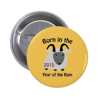Llevado en el año del espolón 2015 pin redondo 5 cm
