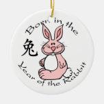Llevado en el año del ornamento del conejo adorno de navidad