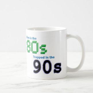 Llevado en los años 80, atrapados en los años 90 taza básica blanca