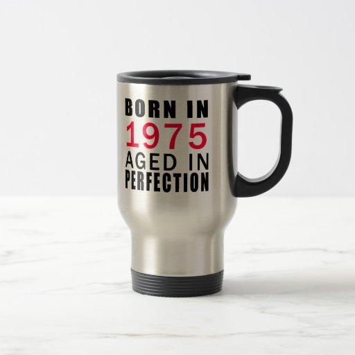 Llevado envejecido en 1975 en la perfección taza de café