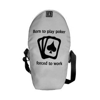 Llevado jugar el póker forzado para trabajar bolsas de mensajería