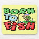 Llevado pescar las camisetas y los regalos de la p tapete de ratones