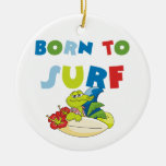 Llevado practicar surf las camisetas y los regalos ornaments para arbol de navidad