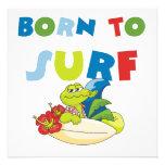 Llevado practicar surf las camisetas y los regalos comunicado personal