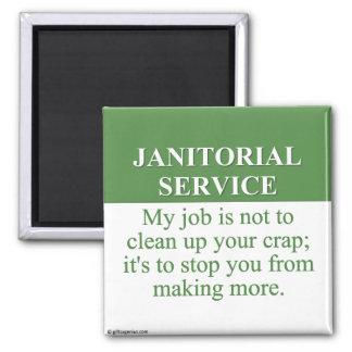 Llevando a cabo los servicios de limpieza (3) imán cuadrado