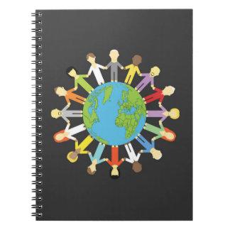 Llevar a cabo las manos alrededor de la tierra notebook