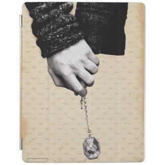 Llevar a cabo las manos con Horcrux Cubierta De iPad