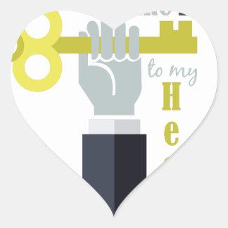 Lleve a cabo la llave pegatina en forma de corazón