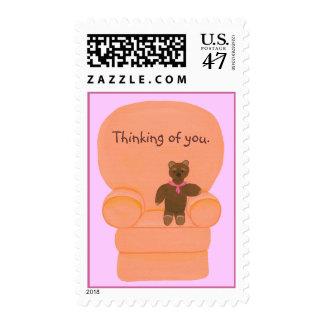 Lleve el sentarse en la silla, sellos, pensando en timbres postales
