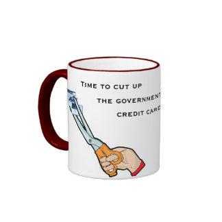Llévese las tarjetas de crédito del gobierno taza de dos colores