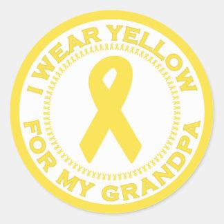 Llevo el amarillo para mi abuelo pegatina redonda