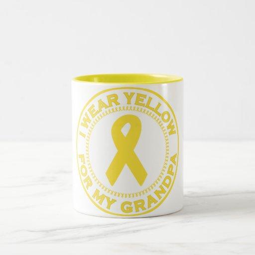 Llevo el amarillo para mi abuelo taza de café