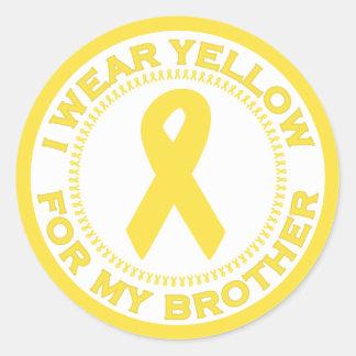 Llevo el amarillo para mi Brother Pegatina Redonda