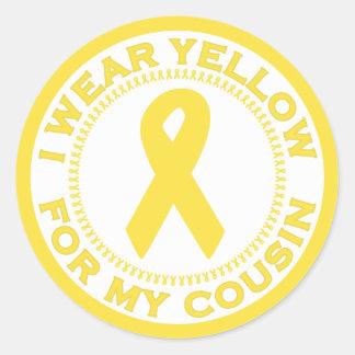 Llevo el amarillo para mi primo pegatina redonda