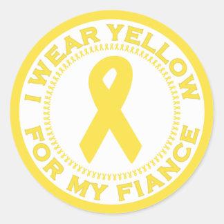 Llevo el amarillo para mi prometido pegatina redonda