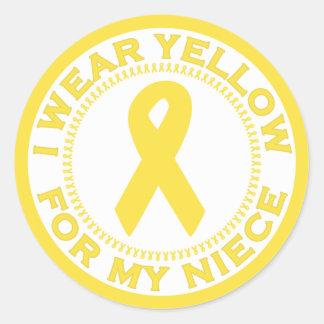 Llevo el amarillo para mi sobrina pegatina redonda